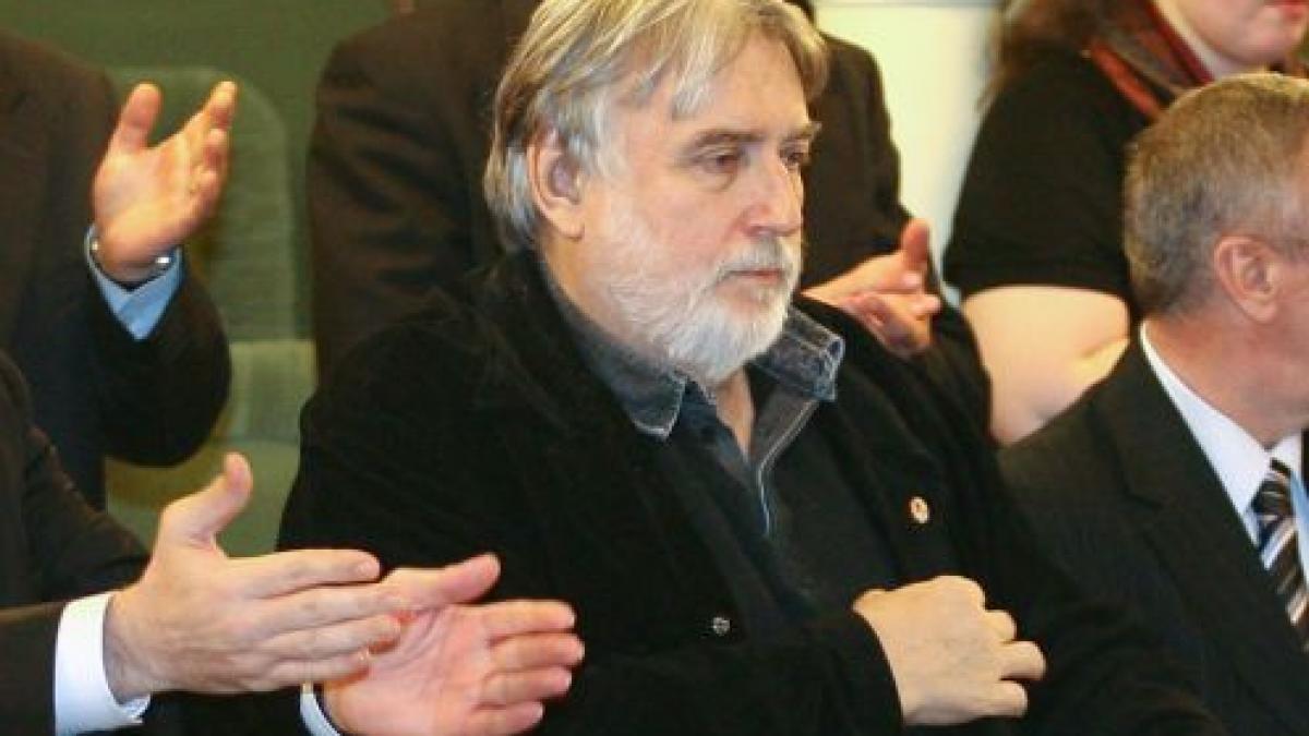 Razboiul pentru mostenirea lui Adrian Paunescu s-a incheiat. Ce se intampla acum cu milioanele de euro lasate de poet (exclusiv)